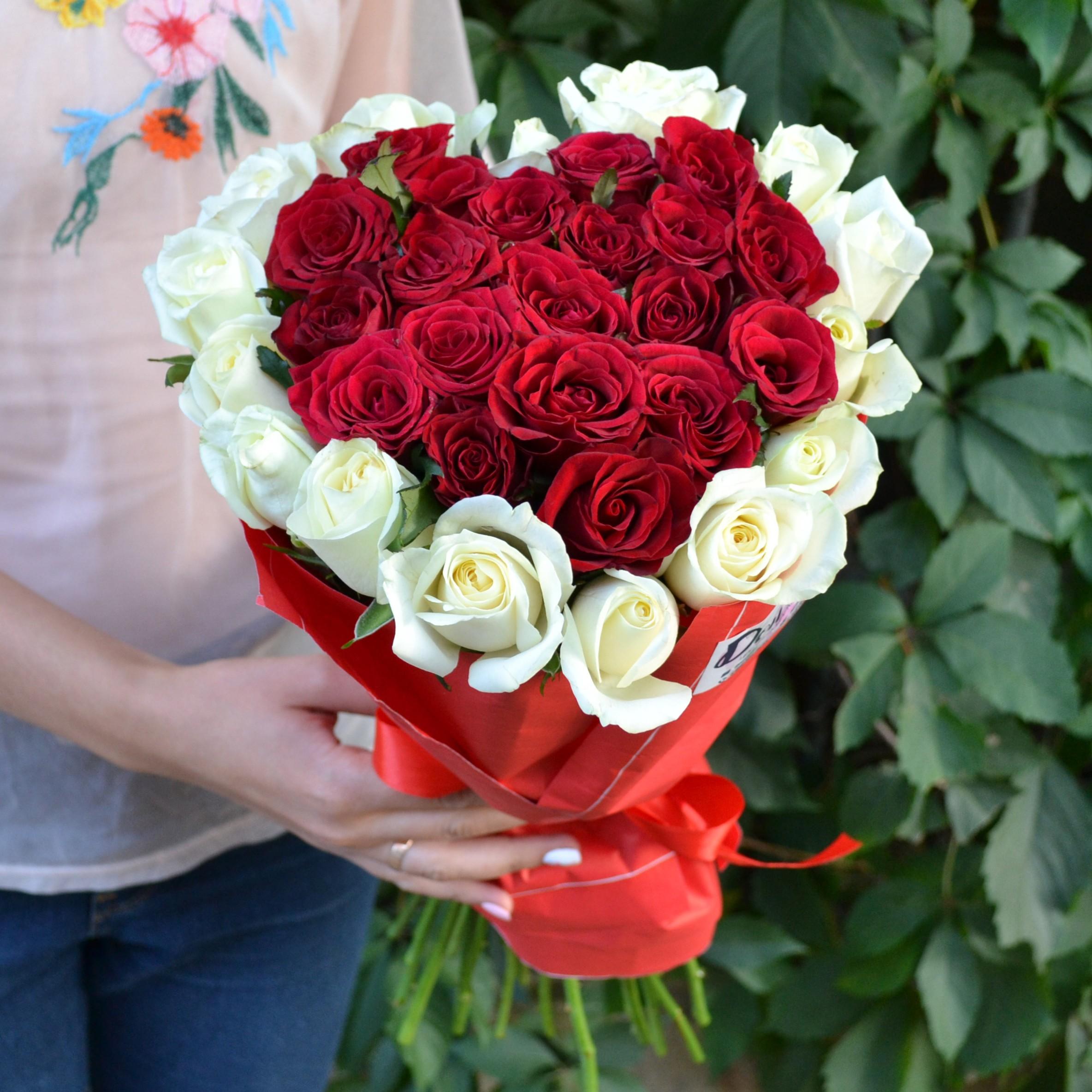 женщины букеты из роз двух цветов смотреть фото большой